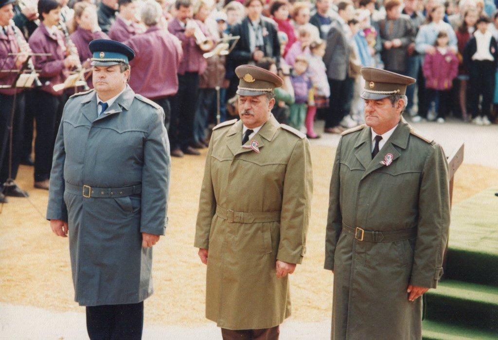 Rendvédelmi szervek koszorúzása 1997-ben